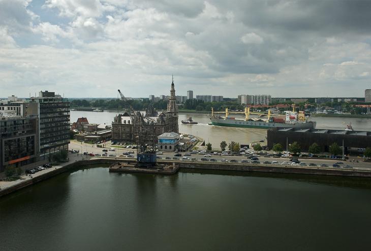 River Scheldt, Antwerp, B