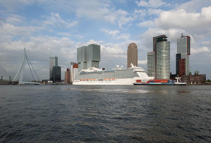 Cruise Ship, Rotterdam, NL