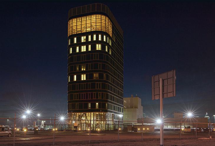 Douanegebouw by Teun Koolhaas Rotterdam Maasvlakte, NL