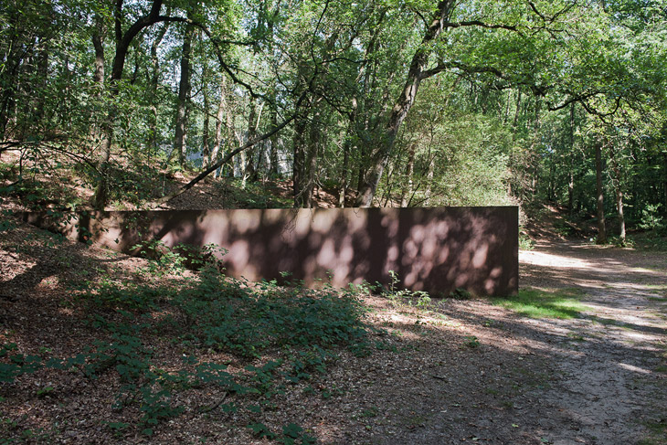 Spin-out, for Robert Smithson by Richard Serra, Kröller-Müller Museum, Otterlo, NL